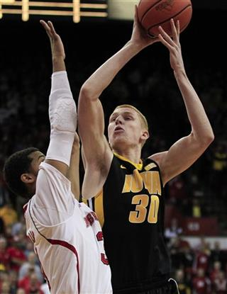Shavon Shields, Aaron White