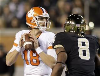 Cole Stoudt, Marquel Lee