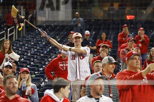 NLCS Cardinals Nationals Baseball