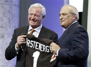 Jimmy Haslam, Tony Alexander