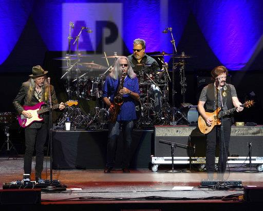 The Doobie Brothers in Concert - Mansfield, Mass.