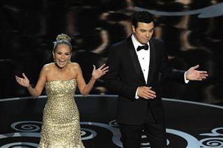 Seth MacFarlane, Kristin Chenoweth
