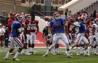 Kendall Thompson, Blake Bell, Trevor Knight