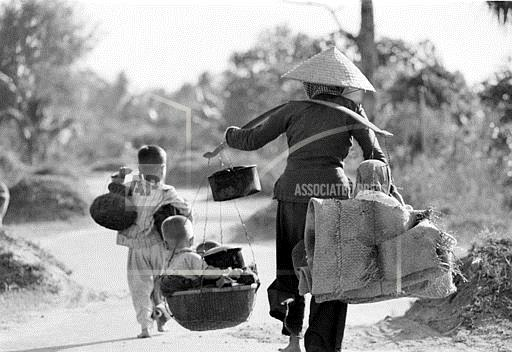 Associated Press International News Vietnam VIETNAM WAR EVACUATION REFUGEE