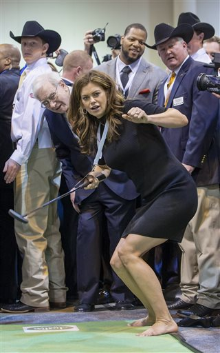 Kathy Ireland, Warren Buffett, Ndamukong Suh