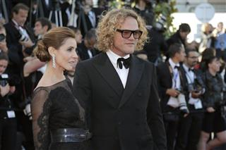 Clotilde Courau, Peter Dundas