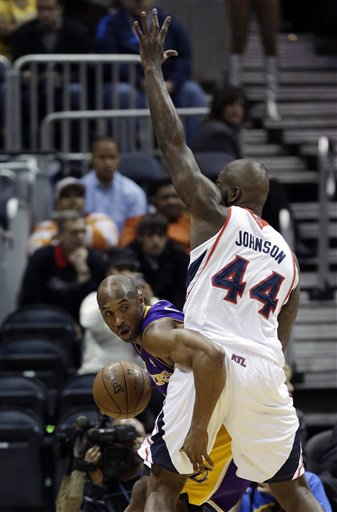 Kobe Bryant, Ivan Johnson