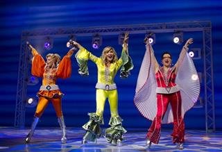 Theater-Mamma Mia Moving