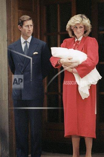 Watchf Associated Press International News   ENGLAND APHS130190 Prince Charles    and    Princess Diana