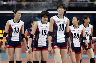 South Korea Loses Set