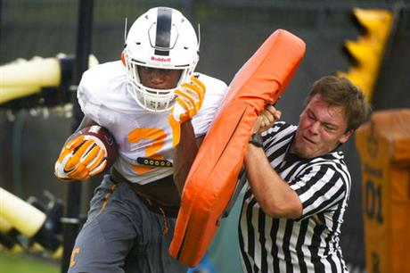 APTOPIX Tennessee Practice Football