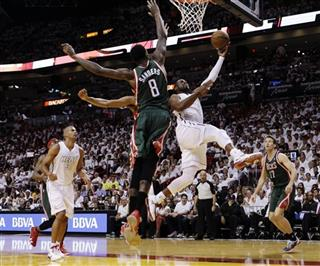 Dwyane Wade, Larry Sanders