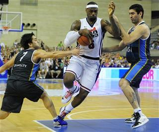 LeBron James, Facundo Campazzo