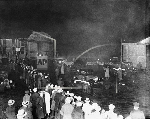 Watchf AP A  NY USA APHS287459 Spirit Of St Louis Leaves For Paris 1927