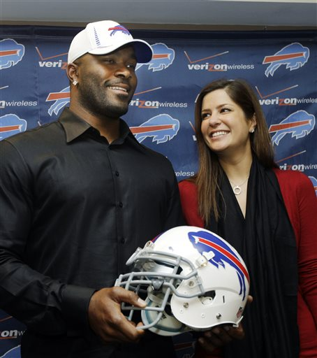 Mario Williams, Erin Marzouki