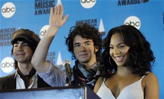 Ashanti, Kevin Jonas, Joseph Jonas