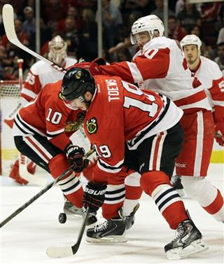 Jonathan Toews, Cory Emmerton