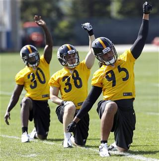 Jarvis Jones, Andrew Taglienetti, Terry Hawthorne