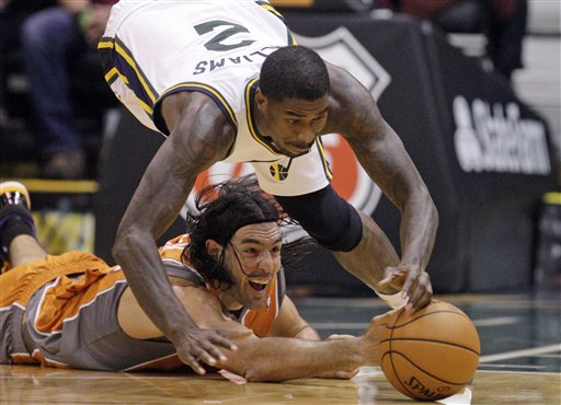 Luis Scola, Marvin Williams