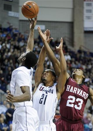 DeAndre Daniels, Omar Calhoun, Wesley Saunders (23)