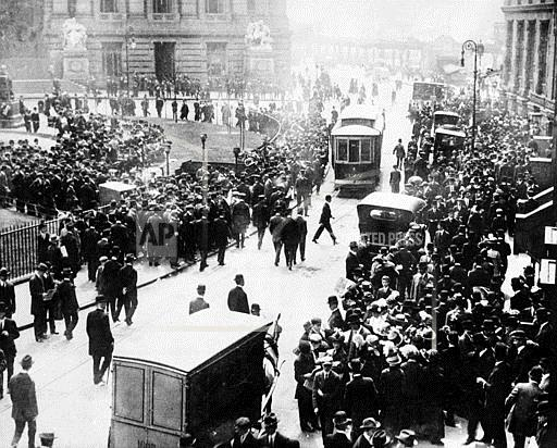 Associated Press Domestic News New York United States WAITING FOR NEWS OF THE TITANIC