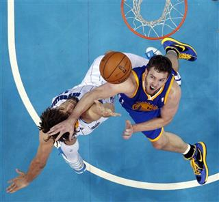 David Lee, Robin Lopez