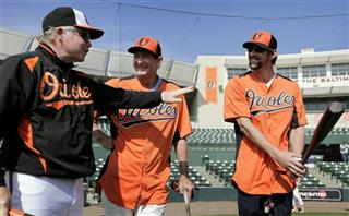 Michael Phelps, Buck Showalter, Hany Haney