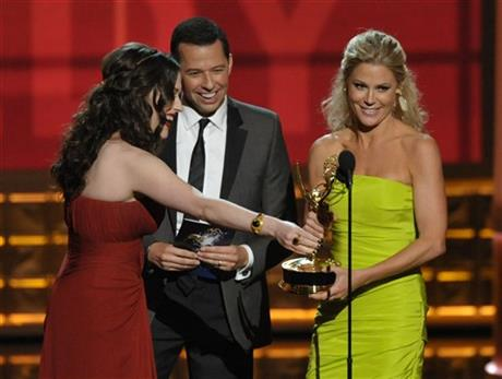 Kat Dennings, Jon Cryer, Julie Bowen