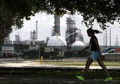 Oil Refineries Air Pollution