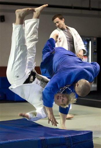 Kayla Harrison, Aaron Handy