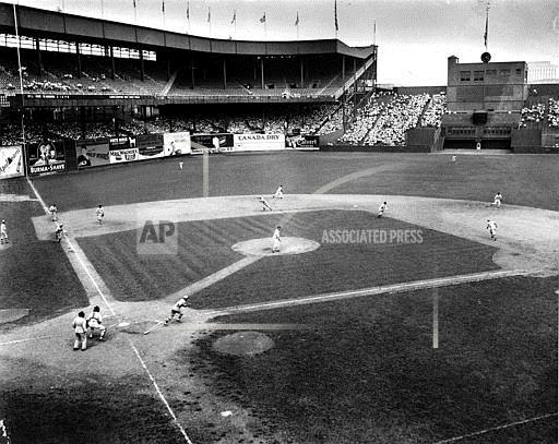Associated Press Sports New York United States Professional Baseball (National League) GIANTS CARDINALS POLO GROUNDS