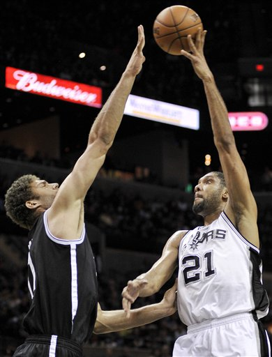 Brook Lopez, Tim Duncan