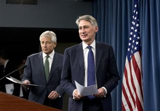 Phillip Hammond, Chuck Hagel