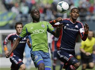 Jerry Bengtson, Djimi Traore
