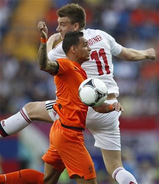 Gregory van der Wiel, Nicklas Bendtner