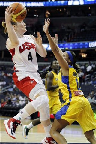 Lindsay Whalen, Adriana Moises Pinto