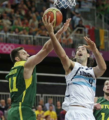 Luis Scola, Linas Kleiza