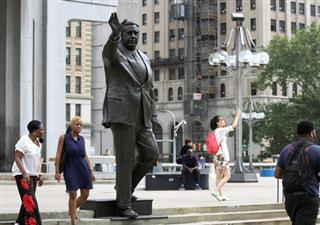 Mayor's Statue Time to Move?