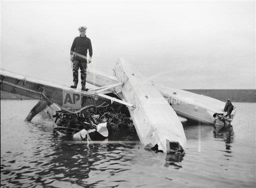 Watchf AP A  AK USA APHS373438 Wiley Post plane crash