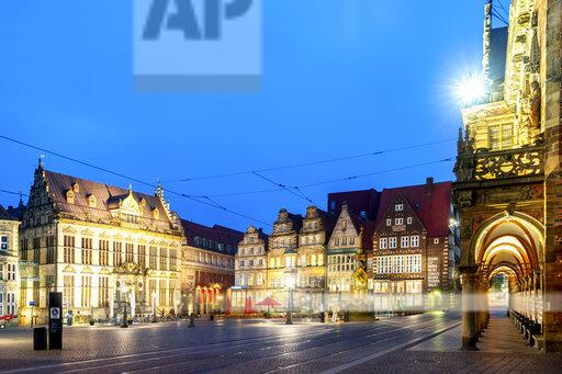 Germany, Bremen, market square, City Hall and Schuetting house