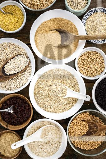 Cereal mix: red rice, black rice, barley, amaranth, quinoa, rice, bulgur, spelt, oats and buckwheat