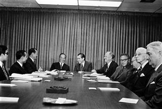 Richard Nixon, Richard M. Nixon, Nguyen Van Thieu, Henry Kissinger, William Rogers, H.E. Ngog, H.E. Lam