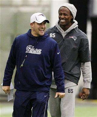 Josh McDaniels, Brandon Lloyd
