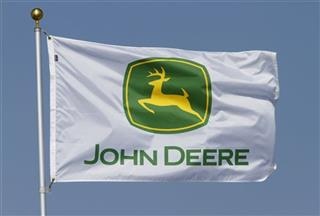 Earns Deere