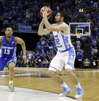 Luke Maye, Isaiah Briscoe