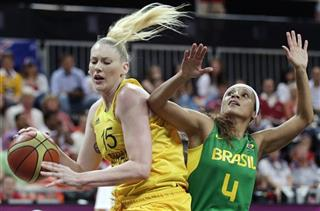 Lauren Jackson, Adriana Pinto