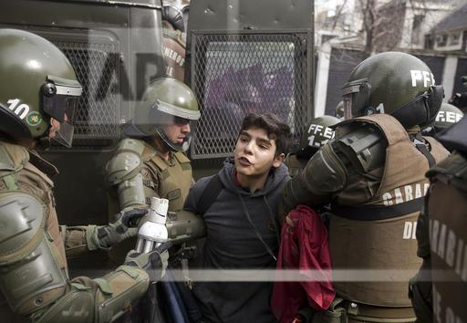 APTOPIX Chile Students Protest