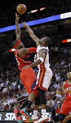 Josh Smith, Dwyane Wade