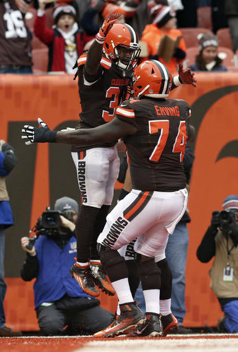 Cameron Erving, Isaiah Crowell