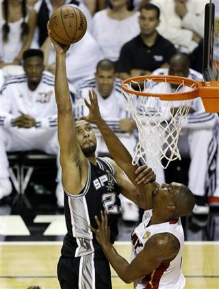 Tim Duncan,Chris Bosh